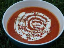 Kremowa pomidorowa z pomidorów z puszki