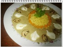 Kremowa zupa pieczarkowa Eli z makaronem