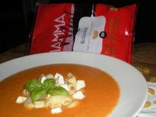 Kremowa zupa pomidorowa z nutą kokosową