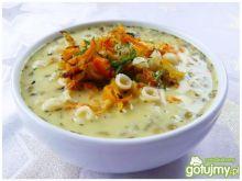 Kremowa zupa soczewicowa z muszelkami