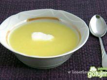 Kremowa zupa z białych szparagów