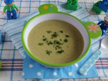 Kremowa zupa z cukinii dla maluchów