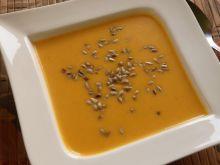 Kremowa zupa z dyni z mleczkiem kokosowym