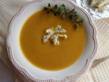 Kremowa zupa z dyni z serem pleśniowym