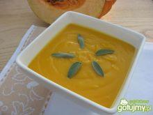 Kremowa zupa z dyni z szałwią