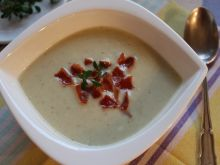 Kremowa zupa z selera i ziemniaków