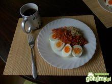 kremowe jajka z pastą curry