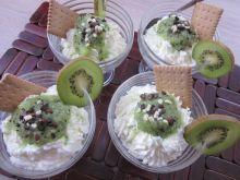 Kremowy deser z kiwi