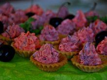 Kruche babeczki z kremem truskawkowo- borówkowym