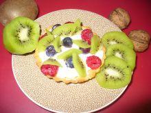 Kruche babeczki z owocami