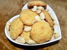Kruche ciasteczka z białą czekoladą i migdałami