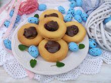 Kruche ciasteczka z kajmakiem, żurawiną i polewą