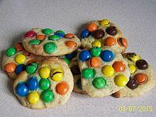 Kruche ciasteczka z m&m's
