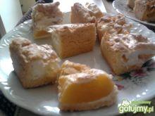 kruche ciasto owocowe z pianką