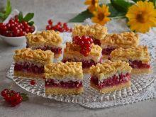 Kruche ciasto z czerwonymi porzeczkami i kokosem