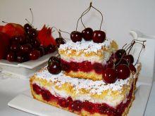 Kruche ciasto z wiśniami i bezą