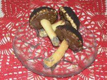 Kruche grzybki z masą czekoladową