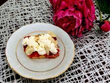 Kruche ciasto z truskawkami i borówkami