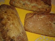 Krupczatkowy chlebek ze śliwką