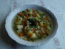 Krupnik na karkówce z młodymi warzywami