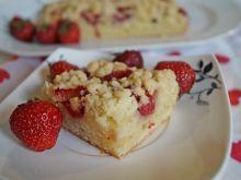 Kubeczkowe jogo-ciasto z truskawkami