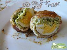Kule drobiowe z jajkiem i brokułami