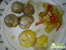 Kuleczki mięsne gotowane mocno paprykowe