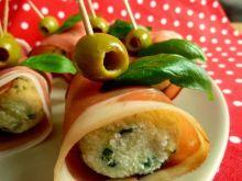 Kuleczki z fety i ziemniaków w szynce parmeńskiej