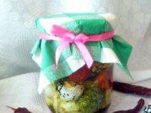 Kulki labneh (w oliwie z dodatkami)