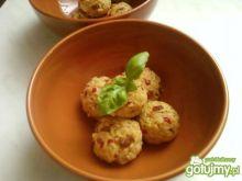 Kulki ryżowe z mozzarellą i pomidorami