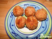 Kulki z mięsa mielonego z żółtym serem