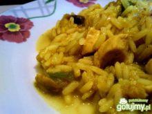 Kurczak curry z papryką i pieczarkami