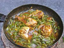 Kurczak duszony w curry z fasolką