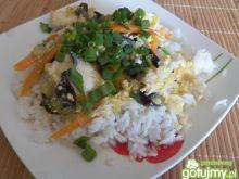 Kurczak i jajko na ryżu