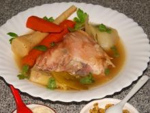 Kurczak i warzywa w bulionie