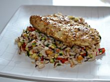 Kurczak na kolorowym ryżu