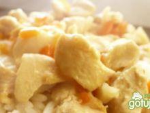 Kurczak na ryżu podany