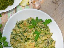 Kurczak na zielono z pieczarkami i szpinakiem
