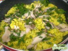 Kurczak na złotym ryżu