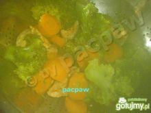 Kurczak parzony z warzywami