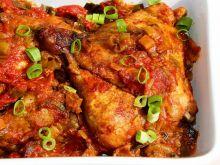 Kurczak pieczony z porem w pomidorach