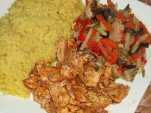 Kurczak pikantny z żółtym ryżem