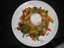 Kurczak po chińsku z nerkowcami