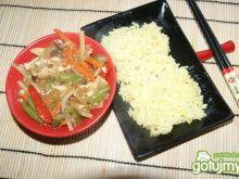 Kurczak po chińsku z warzywami