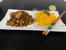 Kurczak po tajsku z zieloną pasta curry