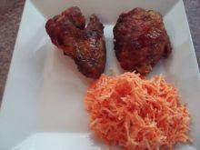 Kurczak smażony w towarzystwie marchewki