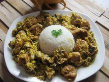 Kurczak w curry z pieczarkami