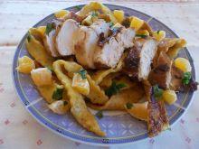 Kurczak w mandarynkach z domowymi wstążkami