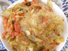 Kurczak w papryce, cebuli i czosnku duszony
