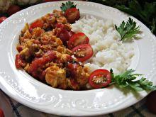 Kurczak w pomidorach z kalafiorem